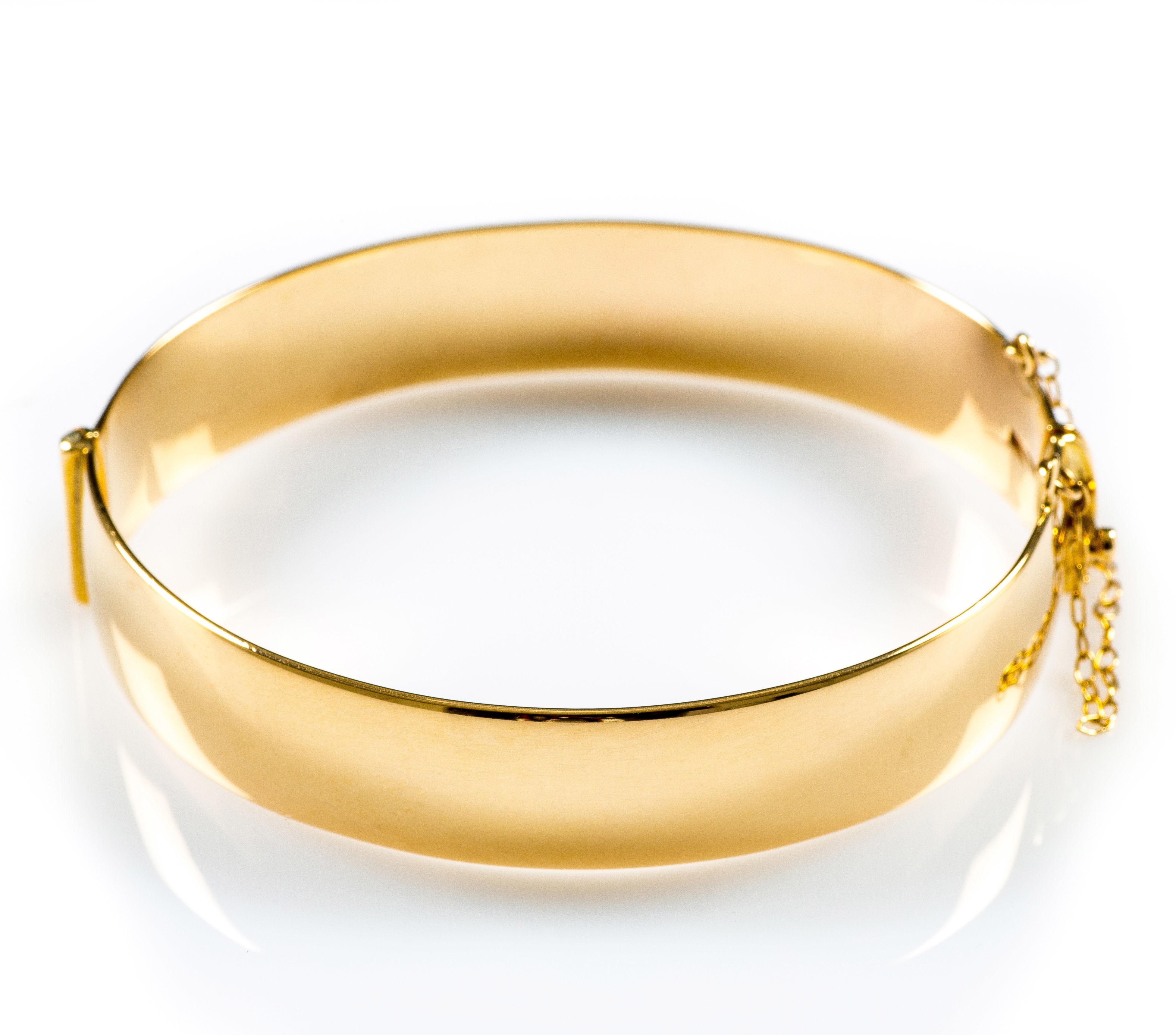 62dca14f3b65f 9CT YELLOW GOLD HINGED BANGLE
